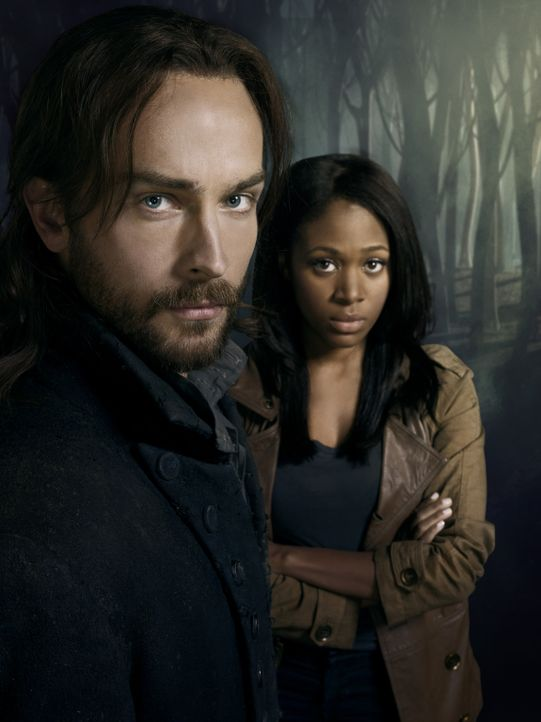 (1. Staffel) - Der amerikanischen Stadt Sleepy Hollow droht Gefahr, denn der kopflose Reiter treibt sein Unwesen. Ichabod Crane (Tom Mison, l.) und... - Bildquelle: 2013 Twentieth Century Fox Film Corporation. All rights reserved.