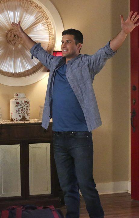 Tessa hat es nicht leicht, als sie unverhofft Ryan (Parker Young) wiedersieht ... - Bildquelle: Warner Brothers