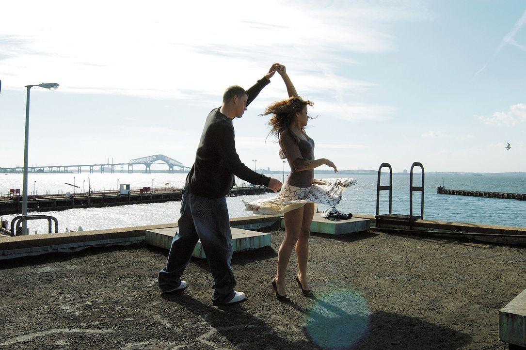 Früh übt sich: Tyler (Channing Tatum, l.) und  Nora (Jenna Dewan, r.) ... - Bildquelle: Constantin Film