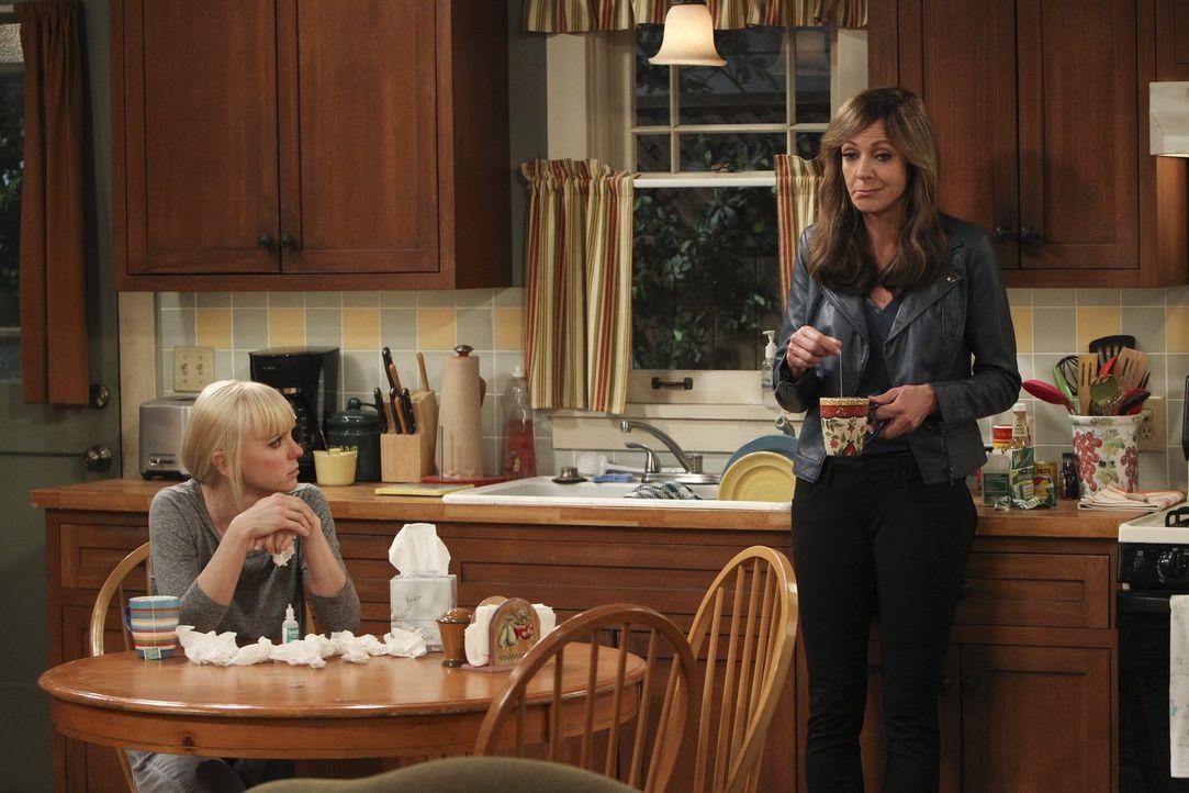 Unterhalten sich wieder einmal über Marjorie und ihre Krebserkrankung: Christy (Anna Faris, l.) und Bonnie (Allison Janney, r.) gehen jede auf ihre... - Bildquelle: Warner Brothers Entertainment Inc.