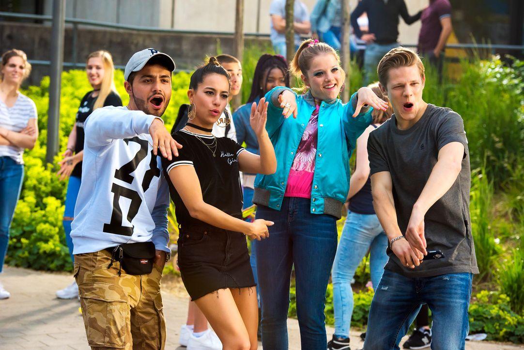 (v.l.n.r.) Burak (Aram Arami); Zeynep (Gizem Emre); Chantal (Jella Haase); Danger (Max von der Groeben) - Bildquelle: 2017 Constantin Film Verleih GmbH