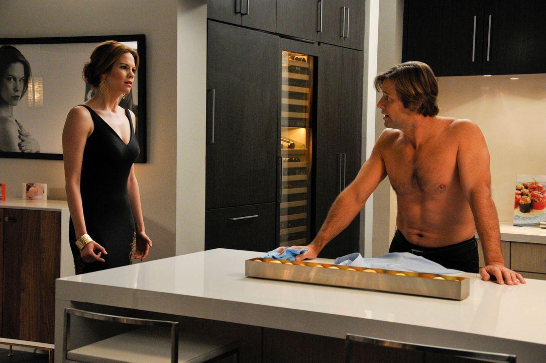 Schafft es Rosie, Spence (Grant Show, r.) zu helfen, die Ehe mit Peri (Mariana Klaveno, l.) zu retten? - Bildquelle: ABC Studios