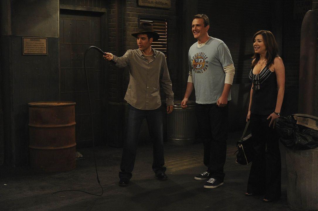 Lily (Alyson Hannigan, r.) und Marshall (Jason Segel, M.) haben eine besondere Überraschung für Ted (Josh Radnor, l.) ... - Bildquelle: 20th Century Fox International Television