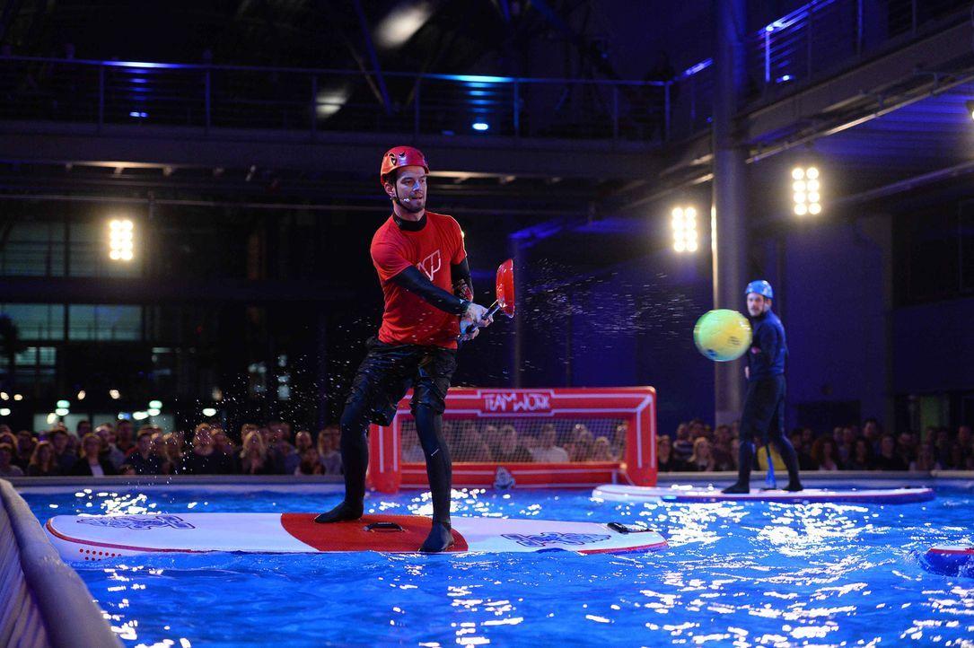 Wer wird als Sieger diese Runde verlassen? Joko (l.) oder Klaas (r.)? - Bildquelle: Willi Weber ProSieben