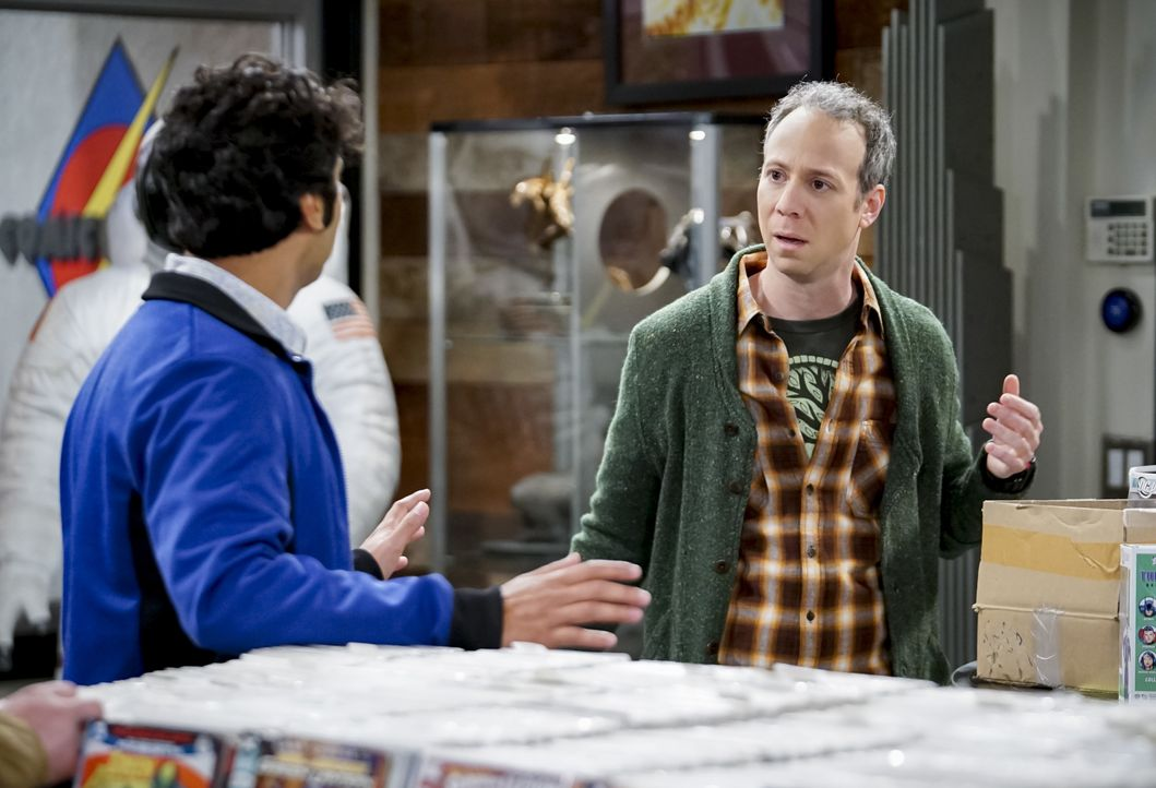 Raj Koothrappali (Kunal Nayyar, l.); Stuart Bloom (Kevin Sussman, r.) - Bildquelle: Sonja Flemming 2019 CBS Broadcasting, Inc. All Rights Reserved / Sonja Flemming