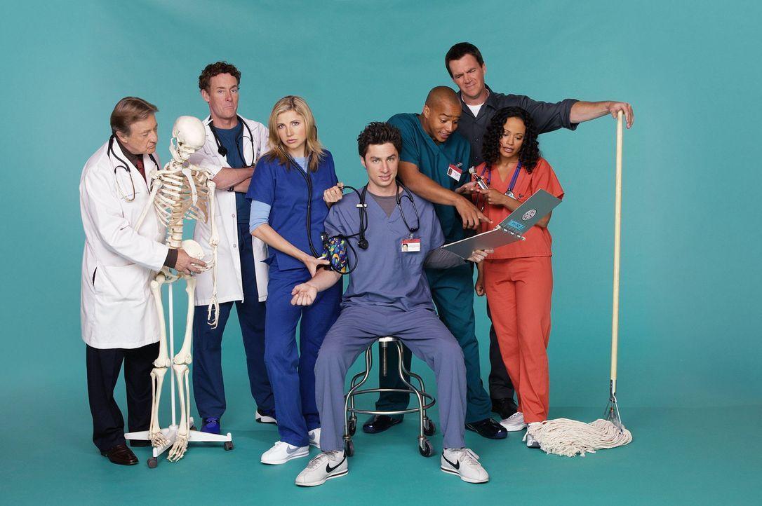 (2. Staffel) - Die Truppe vom Sacred Heart Hospital: J.D. (Zach Braff, M.), Turk (Donald Faison, 3.v.r.), Dr. Phil Cox (John C. McGingley, 2.v.l.),... - Bildquelle: Touchstone Television