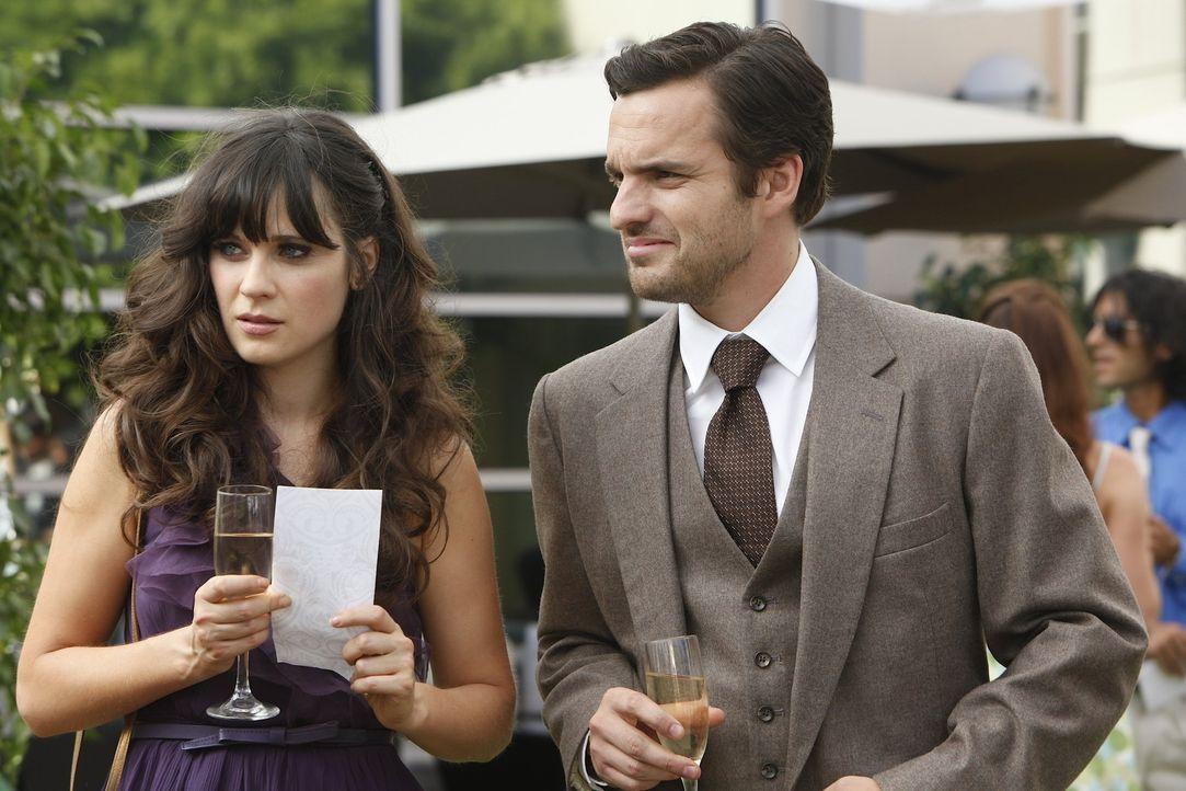 Die Mitbewohner von Jess (Zooey Deschanel, l.) sind zu der Hochzeit eines gemeinsamen Freundes eingeladen. Nick (Jake M. Johnson, r.) aber hat Angst... - Bildquelle: 20th Century Fox