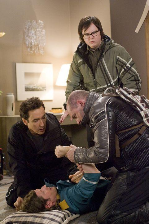 Als sich Lou (Rob Corddry, vorne r.) bei dem Pagen Phil (Crispin Glover, liegend) bedanken will, passiert ein folgenreiches Unglück, mit dem weder N... - Bildquelle: 2010 Twentieth Century Fox