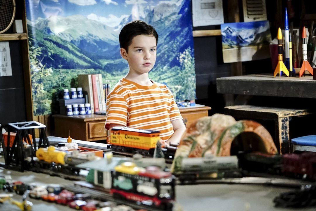 Als Sheldon (Iain Armitage) davon erfährt, dass er nach Dallas ziehen soll, um dort eine Schule für Hochbegabte zu besuchen, ist er zunächst begeist... - Bildquelle: Warner Bros.