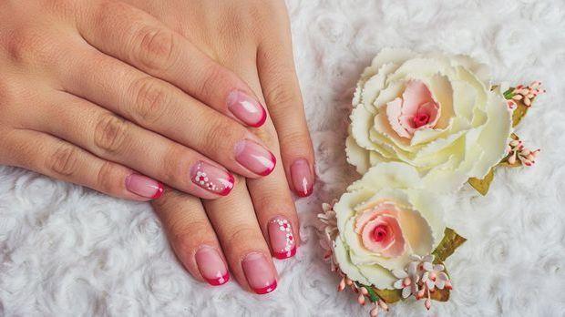 Es gibt unterschiedliche Looks und Styles von French-Nails – wir haben die sc...