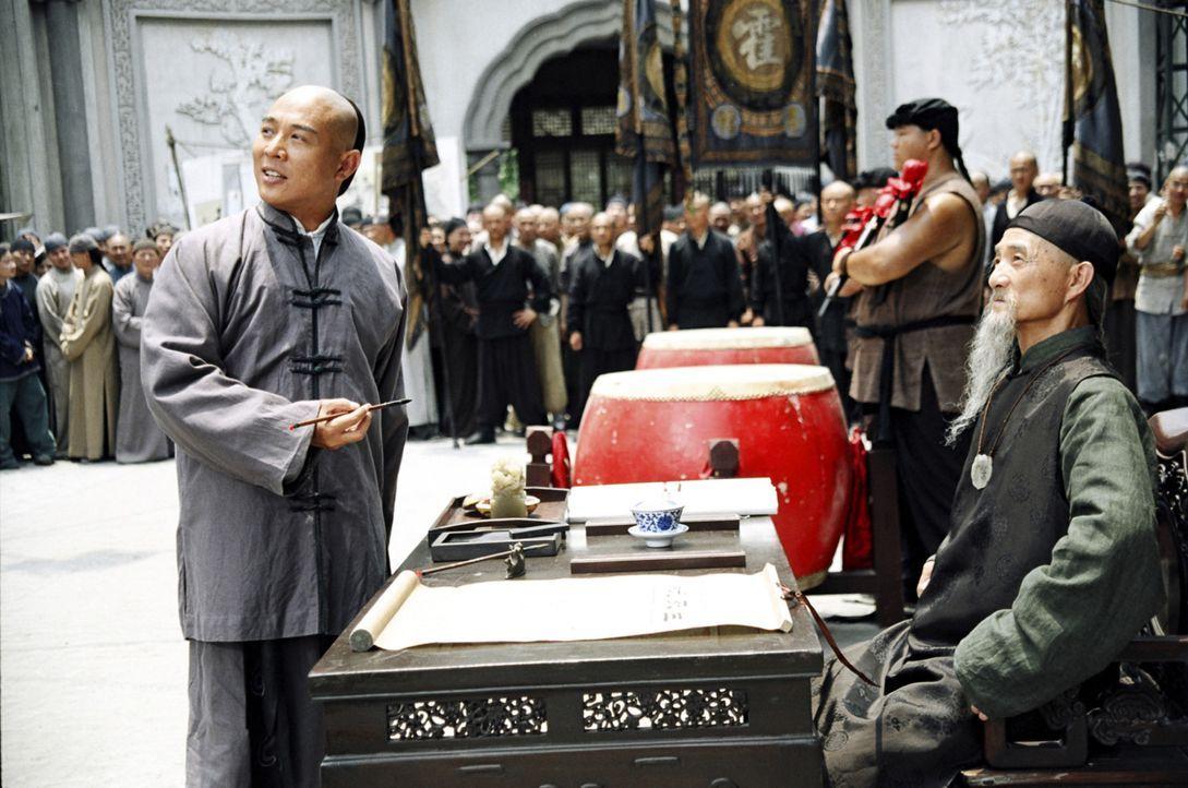 Zu Beginn des 20. Jahrhunderts ist der ehrgeizige Huo Yuanjia (Jet Li, l.) besessen von dem Gedanken, der beste Kämpfer in Tianjin zu werden. Mit g... - Bildquelle: Constantin Film Verleih GmbH