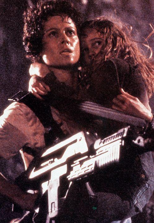 """Ellen Ripley (Sigourney Weaver) in der """"Alien""""-Reihe (1979-1997) - Bildquelle: picture-alliance / Mary Evans Picture Library"""