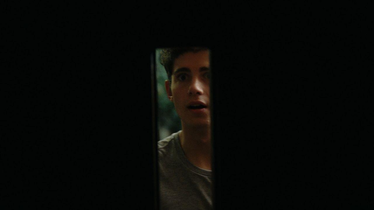 Noch ahnt Owen (Julian Morris ) nicht, dass er die Geister, die er rief, nicht mehr loswerden wird ... - Bildquelle: Square One Entertainment
