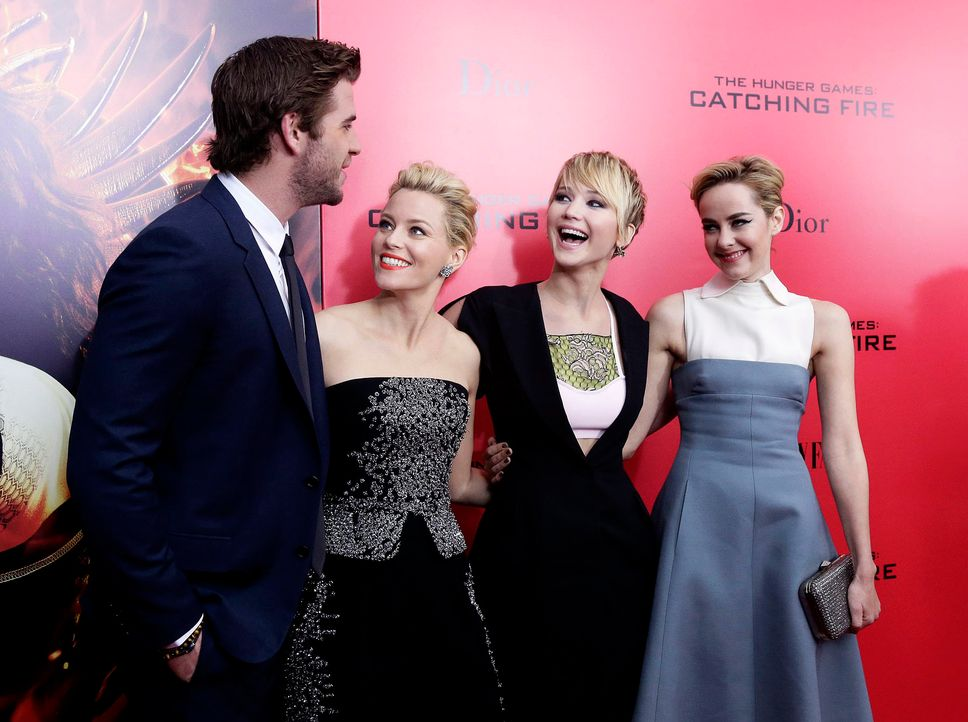 Catching-Fire-Premiere-NY-Hemsworth-Banks-Lawrence-Malone-13-11-20-dpa - Bildquelle: dpa