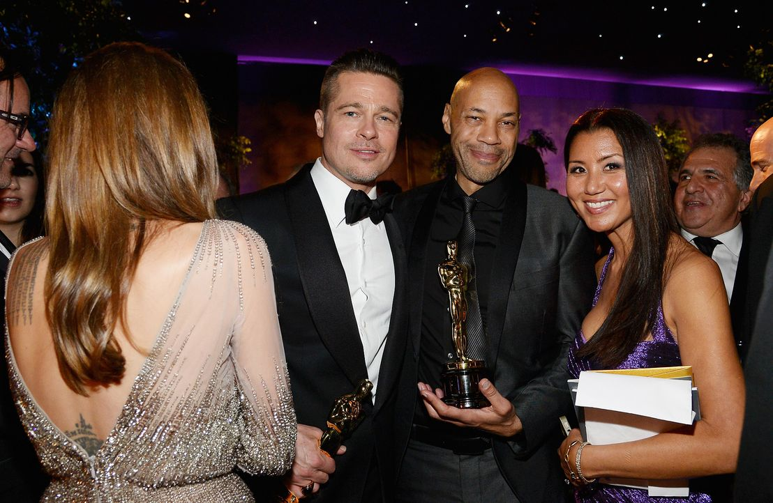 Oscars-Governors-Ball-Brad-Pitt-John-Ridley-Gayle-Ridley-140302-getty-AFP - Bildquelle: getty-AFP