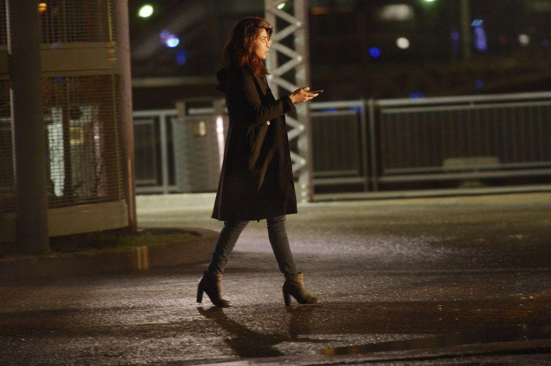 Um Natalie vor dem sicheren Tod zu retten, hat Alex (Priyanka Chopra) eine ganz besondere Aufgabe. Doch kann sie diese erfüllen? - Bildquelle: Philippe Bosse 2015 ABC Studios