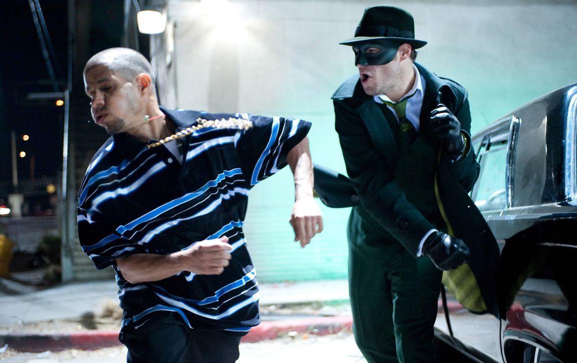 Nach dem plötzlichen Tod seines Vaters beschließt der Partylöwe und Nichtsnutz Britt (Seth Rogen, r.) sein Leben vollständig zu ändern. Zukünf... - Bildquelle: Motion Picture   2011 Columbia Pictures Industries, Inc. All Rights Reserved.