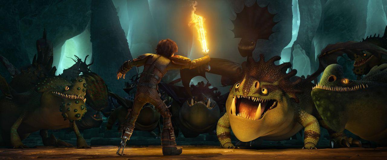 Bei einem seiner Ausflüge mit seinem Drachen Ohnezahn erfährt Hicks durch Zufall, dass der gefährliche Wikinger Drago Blutfaust Drachen sammelt und... - Bildquelle: 2014 DreamWorks Animation, L.L.C.  All rights reserved.