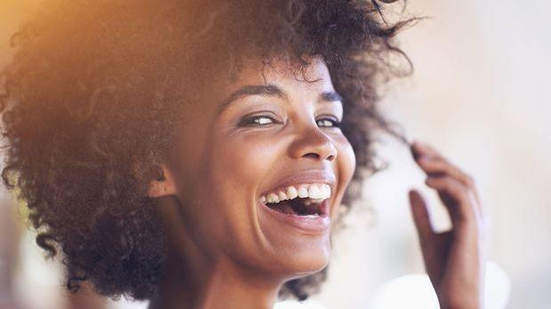 Inhaltsstoffe der Pflegeprodukte sind bei lockigem Haar ausschlaggebend für d...