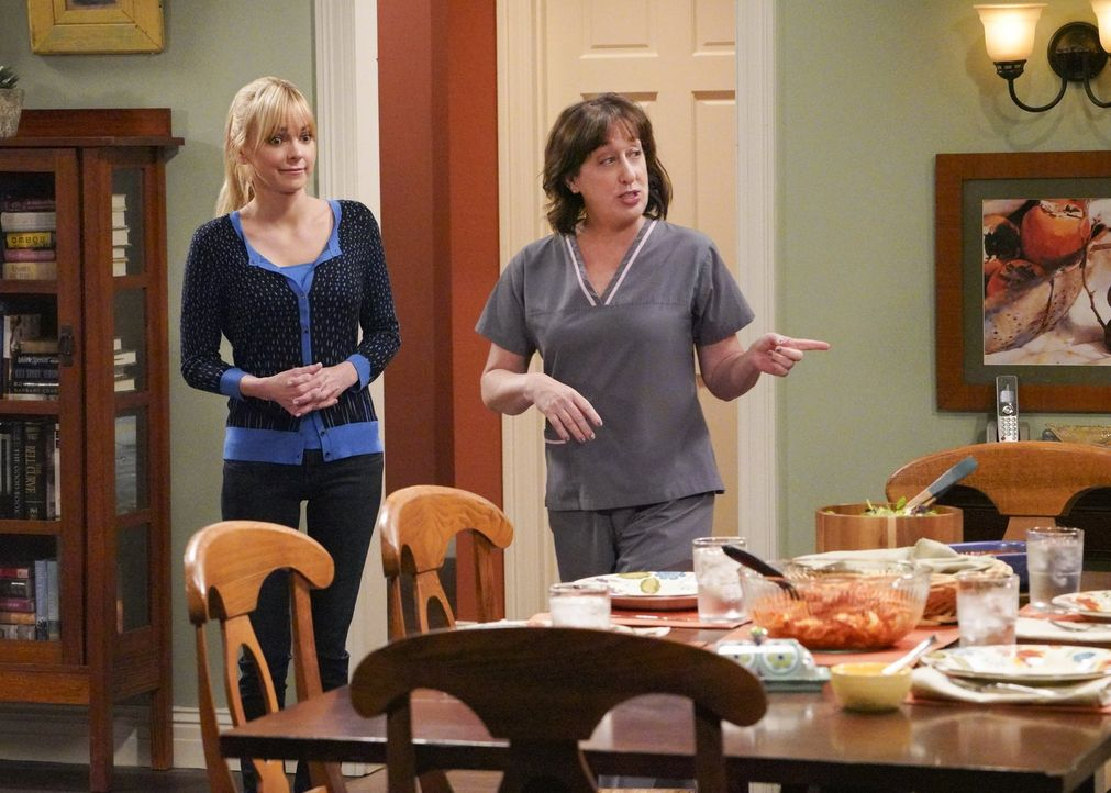 Das Verhältnis zwischen Christy (Anna Faris, l.) und Bonnie ist nicht gut, kann Wendy (Beth Hall, r.) in der Situation aushelfen? - Bildquelle: 2018 Warner Bros.