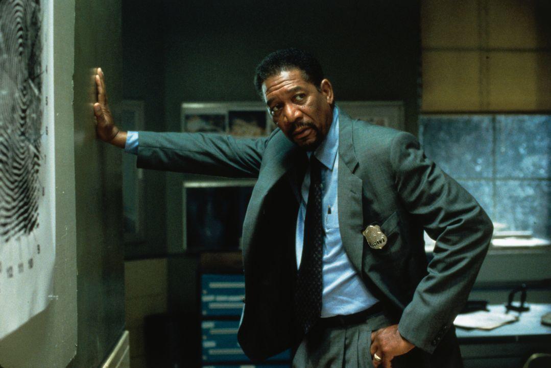 Der Polizeipsychologe Alex Cross (Morgan Freeman) begibt sich nach der Entführung seiner Nichte nach North Carolina, wo diese und weitere junge Frau... - Bildquelle: 2012 by Paramount Pictures. All rights reserved.