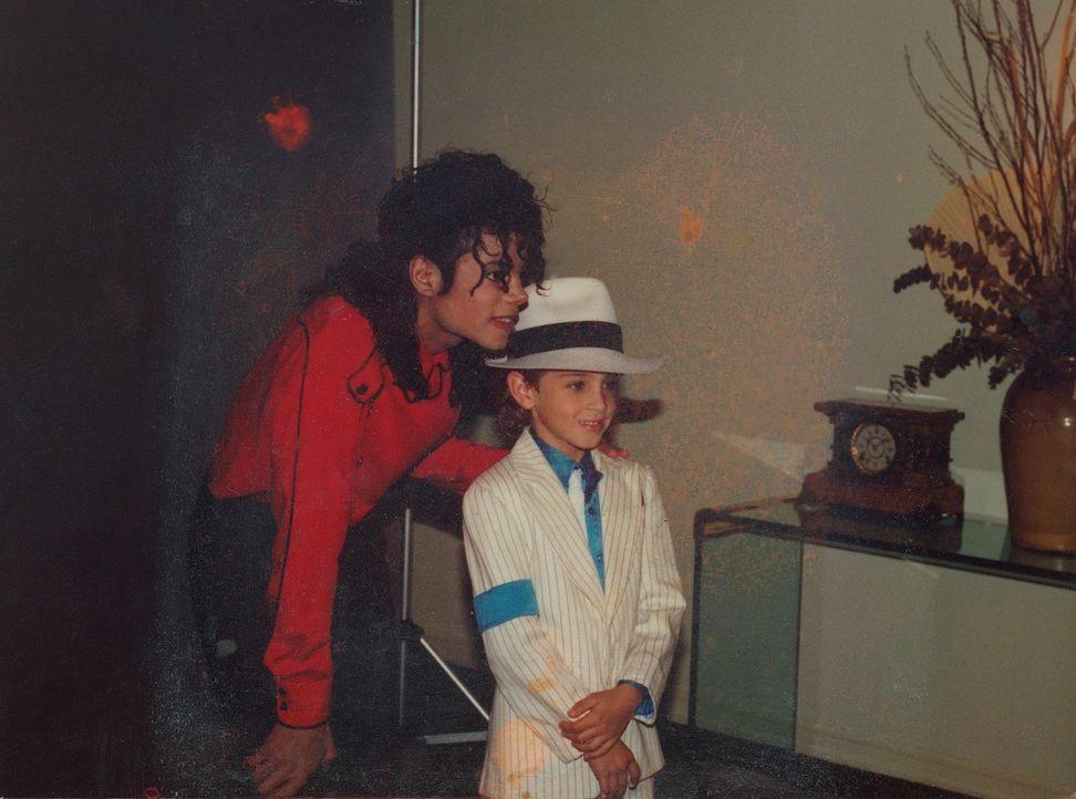 Michael Jackson (l.); Wade Robson (r.) - Bildquelle: Wade Robson