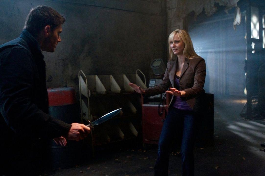 Rettung in letzter Minute: Dean (Jensen Ackles, l.) und Marlene (Paula Lindberg, r.) ... - Bildquelle: Warner Bros. Television