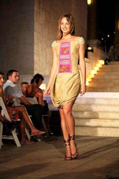 germanys-next-topmodel-stf07-epi09-fashionshow-025-prosiebenjpg 1333 x 2000 - Bildquelle: ProSieben