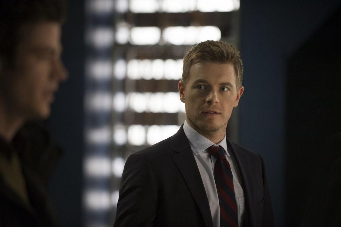 Eddie (Rick Cosnett) trifft eine Entscheidung, die auch Iris beeinflussen wird ... - Bildquelle: Warner Brothers.