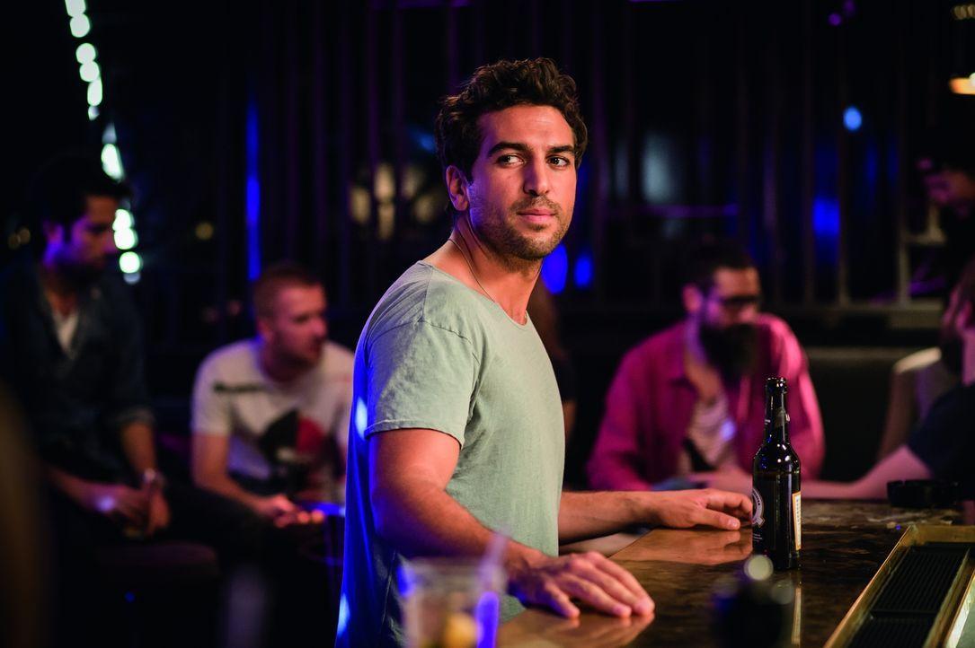 Joseph (Elyas M'Barek) hat ein Problem. Er ist einfach zu nett, um wirklich von Frauen wahrgenommen zu werden. Als er Leni kennenlernt, setzt er all... - Bildquelle: Stephan Rabold