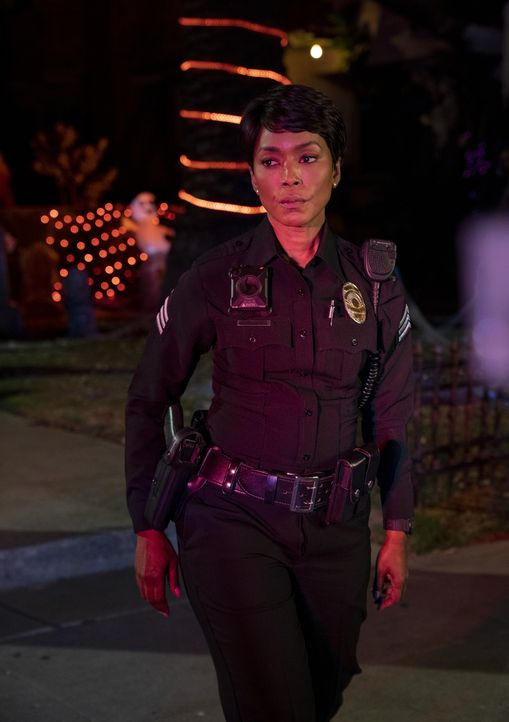 Athena Grant (Angela Bassett) - Bildquelle: Jack Zeman 2019-2020 Twentieth Century Fox Film Corporation.  All rights reserved. / Jack Zeman
