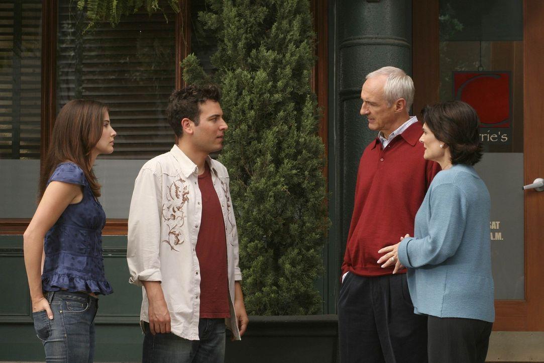 Eigentlich wollte Ted (Josh Radnor, 2.v.l.) seinen Eltern Virginia (Cristine Rose, r.) und Alfred Mosby (Michael Gross, 2.v.r.) seine neue Freundin... - Bildquelle: Monty Brinton 20th Century Fox International Television