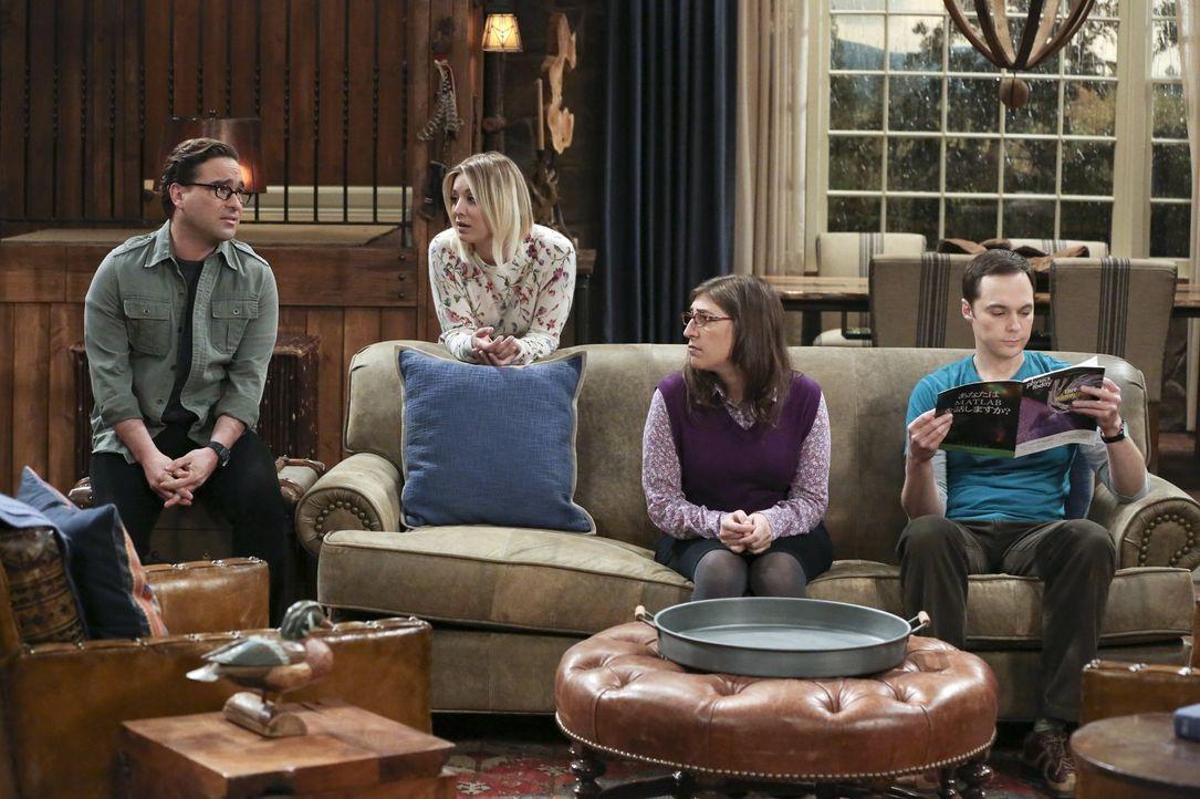 Leonard (Johnny Galecki, l.), Penny (Kaley Cuoco, 2.v.l.), Amy (Mayim Bialik, 2.v.r.) und Sheldon (Jim Parsons, r.) beschließen, übers Wochenende in... - Bildquelle: 2016 Warner Brothers