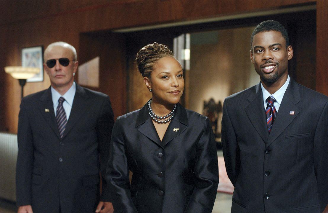 Schon bald muss Debra Lassiter (Lynn Whitfield, M.) erkennen, dass Mays (Chris Rock, r.) keineswegs vorhat, nach den Regeln der Partei zu handeln -... - Bildquelle: DreamWorks SKG