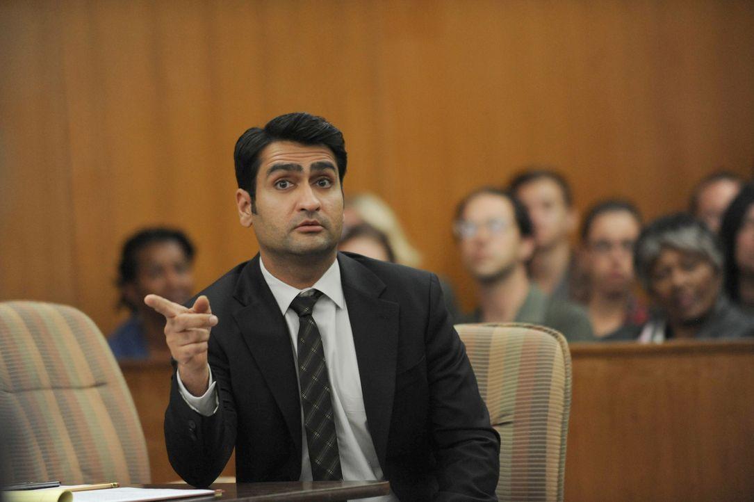 Wie wird der Staatsanwalt Leonard (Kumail Nanjiani) reagieren, als plötzlich der TV-Anwalt Dean Sanderson im Gerichtssaal auftaucht und im realen Le... - Bildquelle: 2015-2016 Fox and its related entities.  All rights reserved.