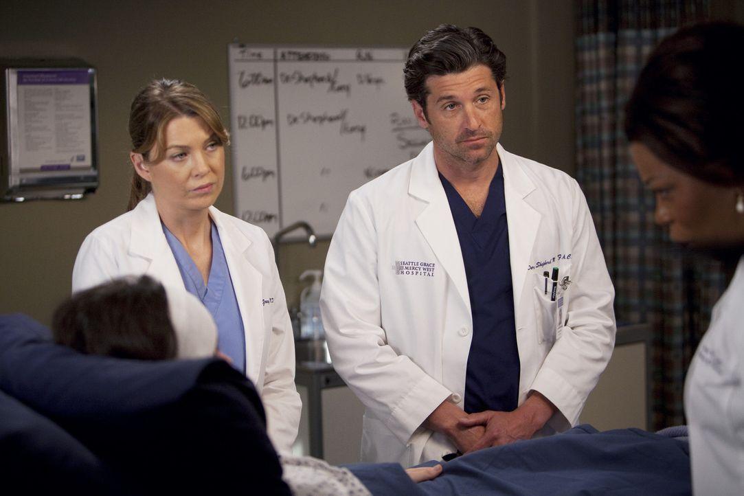 Kümmern sich um die schwerverletzte Holly (Vanessa Marano, l.): Dr. Fincher (Lorraine Toussaint, r.), Derek (Patrick Dempsey, 2.v.r.), Meredith (El... - Bildquelle: Touchstone Television