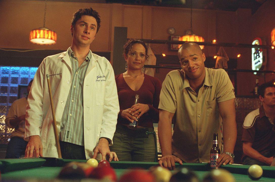 Endlich haben J.D. (Zach Braff, l.), Turk (Donald Faison, r.) und Elliot die Klinik für sich, denn Dr. Phil Cox ist mit seiner Ex-Gattin Jordan unte... - Bildquelle: Touchstone Television