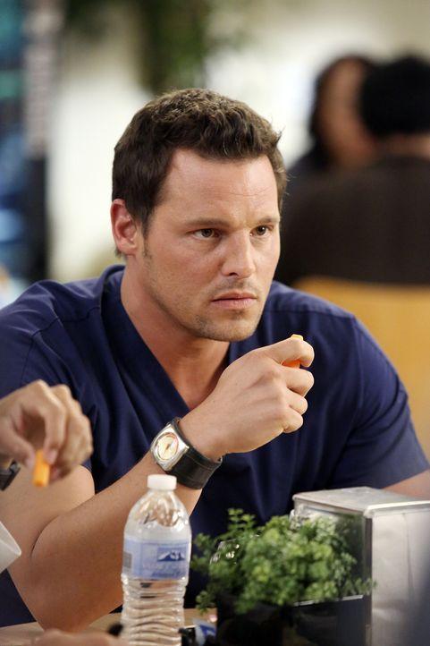 Wird Alex (Justin Chambers) wirklich ans Hopkins Hospital wechseln? - Bildquelle: ABC Studios