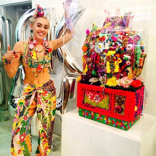 Miley-Cyrus-3-Instagram-mileycyrus - Bildquelle: http://instagram.com/mileycyrus