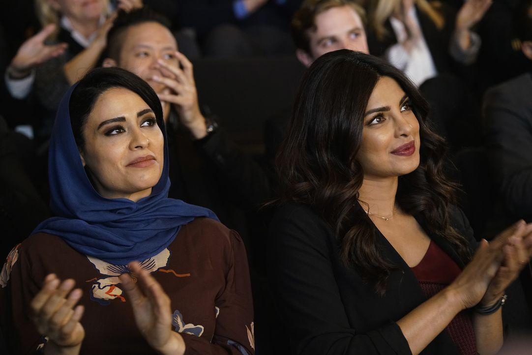 Haben es geschafft und verabschieden aus der Ausbildung: Raina (Yasmine Al Massri, l.) und Alex (Priyanka Chopra, r.) ... - Bildquelle: Jonathan Wenk 2016 American Broadcasting Companies, Inc. All rights reserved.