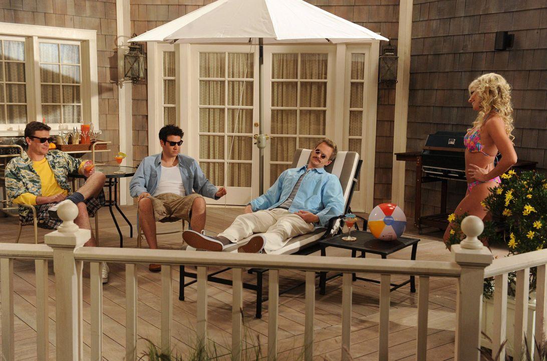 Ein ganz besonderer Traum: Ted (Josh Radnor, 2.v.l.), Marshall (Jason Segel, l.) und Barney (Neil Patrick Harris, 2.v.r.) ... - Bildquelle: 2013 Twentieth Century Fox Film Corporation. All rights reserved.
