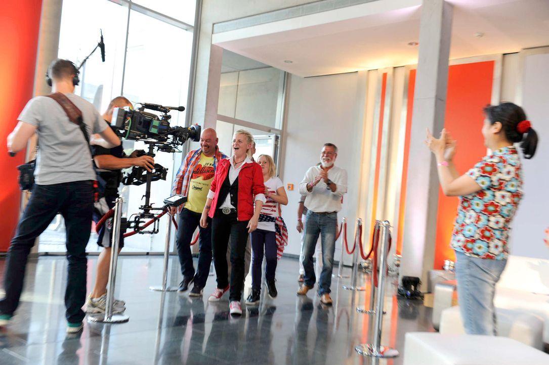 brigitte-the-voice-of-germany-staffel2-epi01-07-backstagejpg 2000 x 1331 - Bildquelle: ProSieben/SAT.1/Christoph Assmann