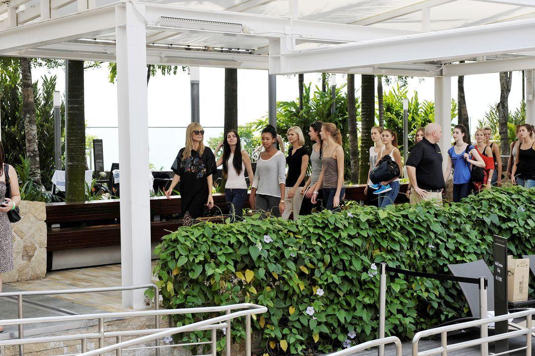 GNTM-Stf09-Epi01-Singapur-Ankunft-34-ProSieben-Oliver-S - Bildquelle: ProSieben/Oliver S.