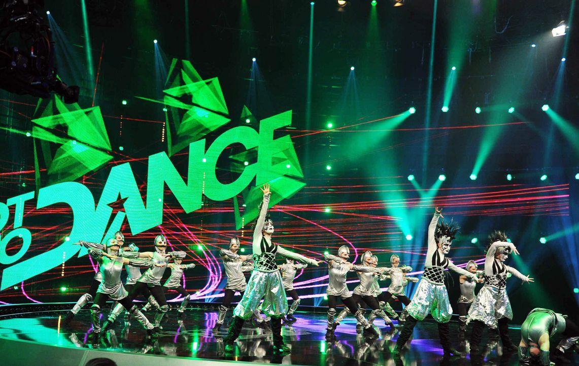 Got-To-Dance-Kosmosgruppe-09-SAT1-ProSieben-Willi-Weber - Bildquelle: SAT.1/ProSieben/Willi Weber