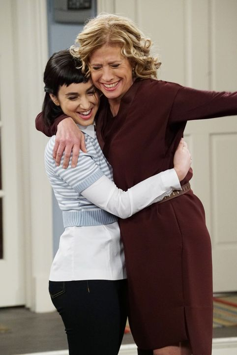 Mandy Baxter (Molly Ephraim, l.); Vanessa Baxter (Nancy Travis, r.) - Bildquelle: 2015-2016 American Broadcasting Companies. All rights reserved.