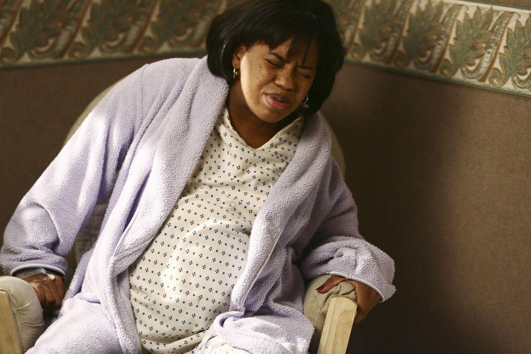 Bailey (Chandra Wilson) weigert sich standhaft, ihr Baby zur Welt zu bringen und verlangt, dass man sie nach Hause fährt ... - Bildquelle: Touchstone Television