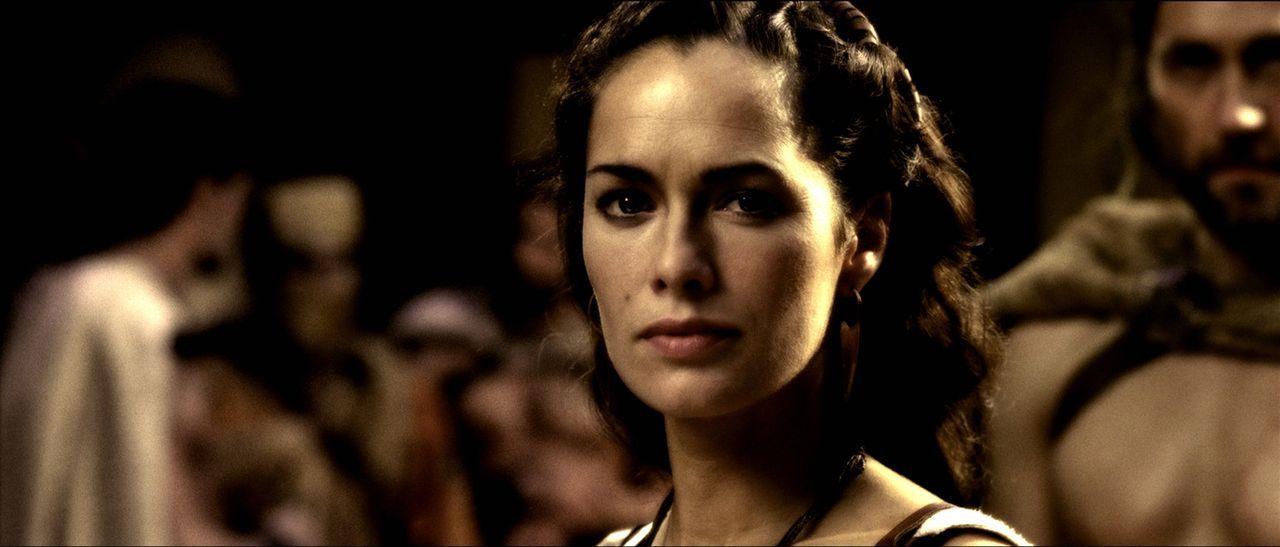 Während ihr Mann im Krieg ist, versucht Königin Gorgo (Lena Headey) den Senat zu überzeugen, ihn mit der Armee zu unterstützen und ebenfalls fü... - Bildquelle: TM &   Warner Bros. Entertainment Inc.