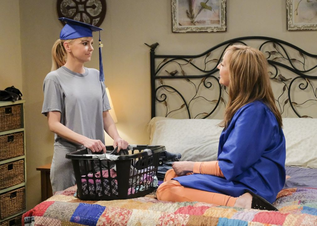 Bonnie (Allison Janney, r.) macht Christy (Anna Faris, l.) bewusst, dass sie zwar fünf Jahre lang kein Alkohol mehr getrunken hat, aber sehr wahrsch... - Bildquelle: 2018 Warner Bros.