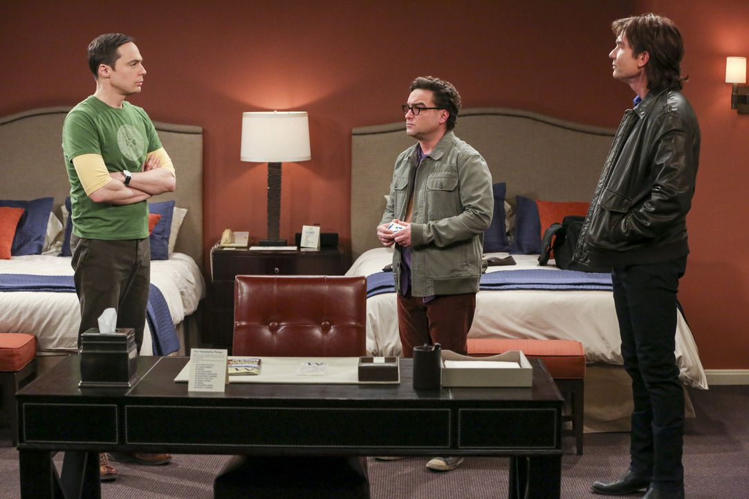 Leonard (Johnny Galeck, M.) versucht zwischen den Brüdern Sheldon (Jim Parsons, l.) und Goerge Jr. (Jerry O'Connell, r.) zu vermitteln ... - Bildquelle: Warner Bros. Television