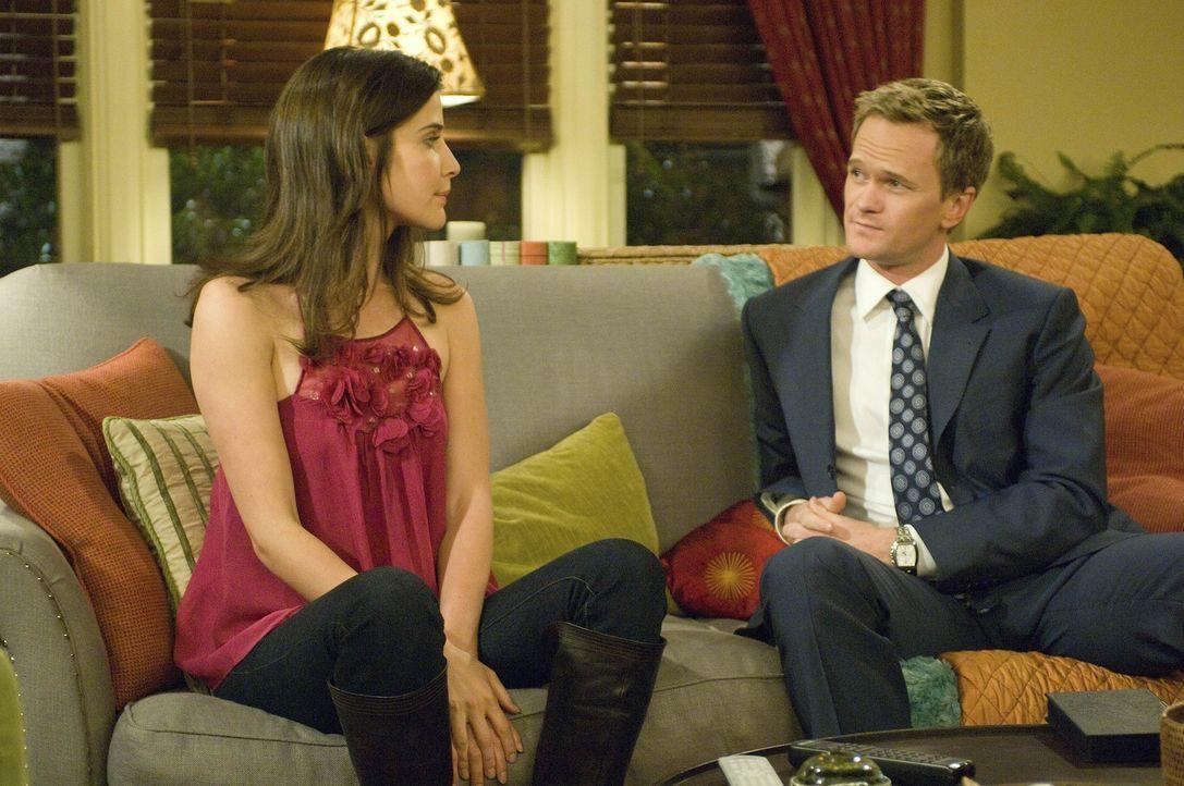 Nachdem Simon Robin (Cobie Smulders, l.) erneut abserviert hat, taucht zum Glück Barney (Neil Patrick Harris, r.) auf, der sehr verständnisvoll is... - Bildquelle: 20th Century Fox International Television